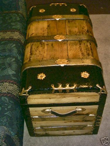authentic   year monitor top antique trunk