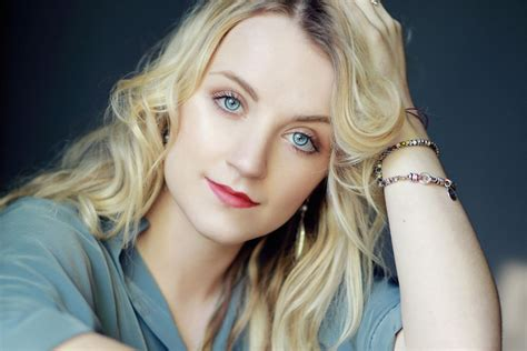 actress name harry potter 22 hottest images of harry potter s luna lovegood evanna