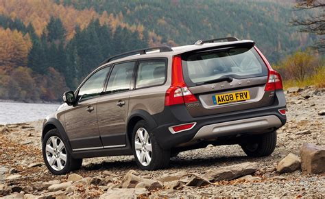 used volvo xc70 review volvo xc70 estate review 2007 2016 parkers