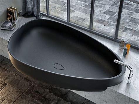Minimalist Bathtub by Black Bathtub Designed For Minimalist Bathrooms By