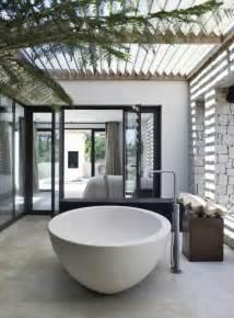 outdoor badezimmer how to create seamless indoor outdoor living spaces