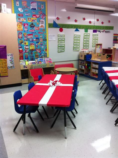 how to make school hall christmas classroom for 3rd graders 1000 class ideas on