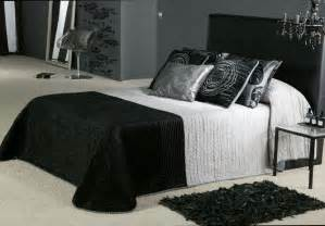 black and white decorating ideas for bedrooms long