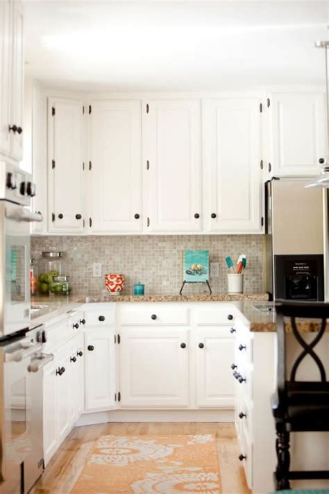 white kitchen cabinets what color hinges dark pulls and rug white kitchen cabinets inspiration