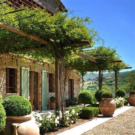 Italian Patio Design Best 25 Italian Patio Ideas On Italian Farmhouse Decor Mediterranean Outdoor