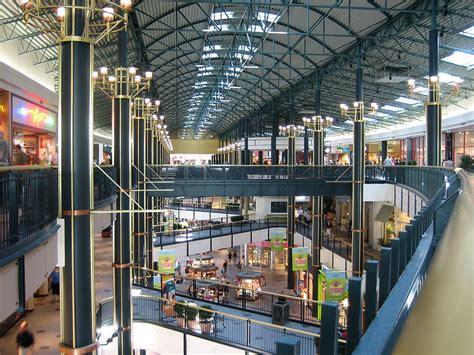 Shopamerica by File Interior Mall Of America Jpg