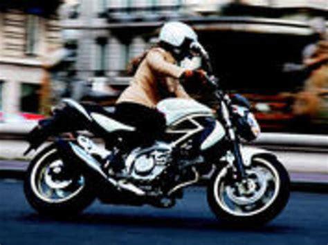 Motorrad 650 Ccm Test by Suzuki Sfv 650 Gladius Testbericht Auto Motor At