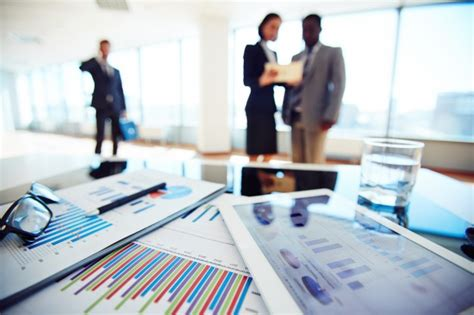 Mba Finance Without Finance Background by Up Of Financial Report With Businesspeople