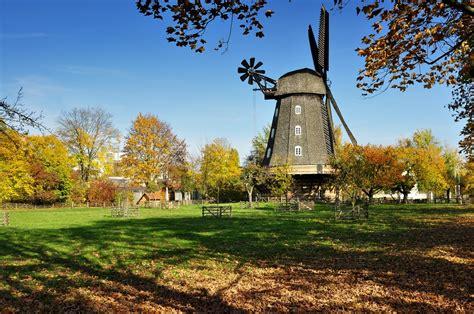 Britzer Garten Buckower Damm 168 by Die Britzer M 252 Hle Im Herbst Bild Foto