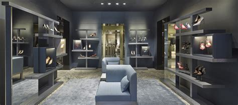 sophisticated luxury displayed by avenue montaigne avenue montaigne travelwithkai