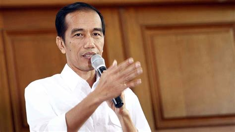 jokowi jpg mantan gubernur riau marah besar pada presiden jokowi gara