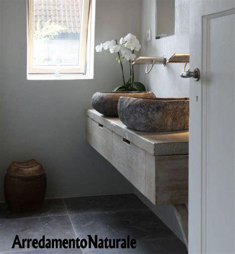 bagni rustici in pietra mobile bagno rustico in legno vecchio con lavabi in pietra