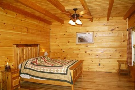 Luray Cabins Tub by Master Bedroom With Tub Picture Of Rustic Cabins