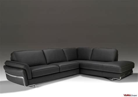 immagini divani angolari divano angolare in vera pelle nera lineare e moderno