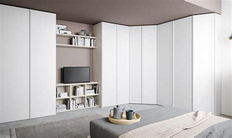 armadi guardaroba ad angolo armadio ad angolo per sfruttare meglio lo spazio casafacile