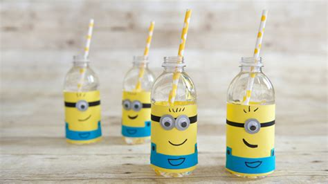 Water Bottle Decorating Ideas by Googly Crafts