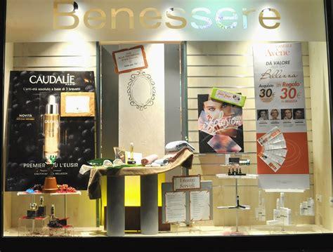 cabina estetica farmacia la cabina estetica in vetrina