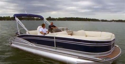cypress pontoon cypress cay cayman 250 video pontoon boat review boats