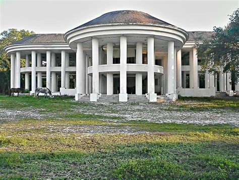 greek revival mansion mansion greek revival neoclassical abandoned perfection