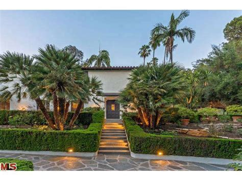 robert pattinson sells mansion to big theory