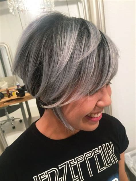 best way to blend gray hair into brown hair 17 best ideas about white hair highlights on pinterest