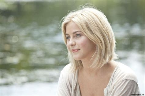 julianne hough hairstyle in safe haven julianne hough safe haven hair long hairstyles