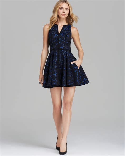 Dress Flare An black halo sleeveless floral brocade fit and flare dress