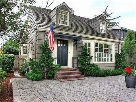 cape cod style screen door cape cod ranch style house plans nantucket style house plans 23 best front doors images on pinterest front doors