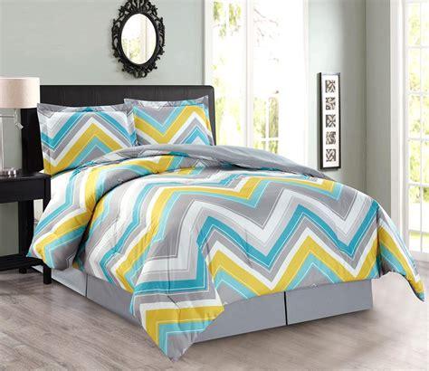 Home Design Down Alternative Comforter 4 Piece Oversize Zigzag Reversible Designer Goose Down