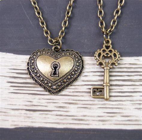 modelos de cadenas para parejas collares para parejas corazon y llave