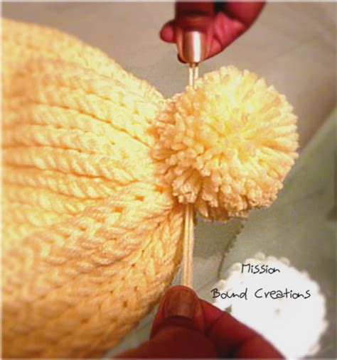 how to attach a pom pom to a knitted hat how to make pom poms loomahat