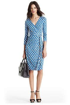 Batik Dress Cheers who made emily ratajkowski s blue print wrap dress