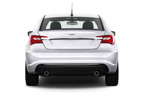 2011 chrysler 200 review 2011 chrysler 200 reviews and rating motor trend