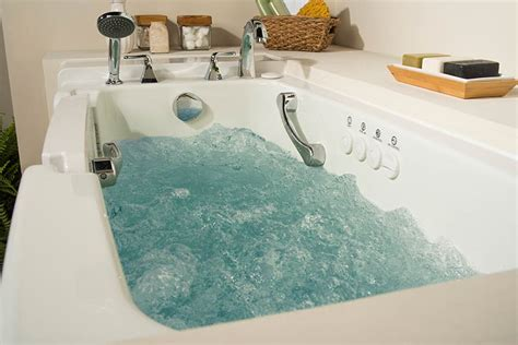 jacuzzi walk in bathtub walk in tub get jacuzzi 174 hydrotherapy quality safety