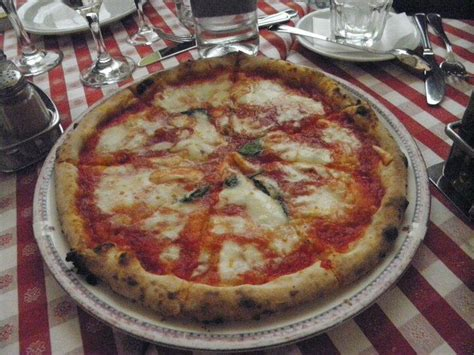 rome best pizza best pizza in rome food best pizza