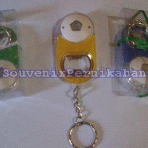 Gantungan Kunci Pembuka Botol gantungan kunci unik pembuka botol senter souvenir pernikahan