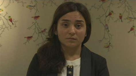repenser letat pour une pour 233 chapper au viol de l 201 tat islamique une y 233 zidie se brule le visage photos europe