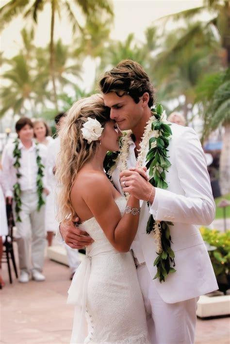 Wedding Attire Hawaii by All White Destination Wedding In Hawaii