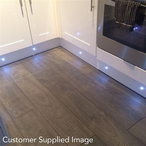 luxury chrome valbella oak 8mm laminate flooring