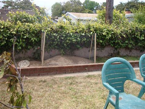 dog    diy  compost bin  thwart  dog