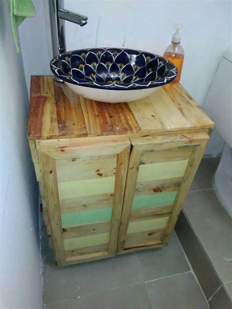 Diy Pallet Wood Bathroom Vanity 101 Pallets Pallet Bathroom Vanity