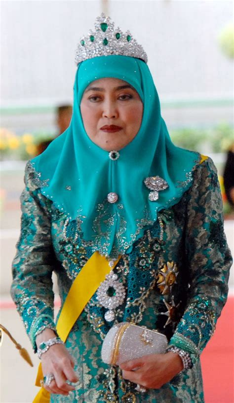 sultan hassanal bolkiah wives 30 best royal tiaras brunei images on pinterest brunei
