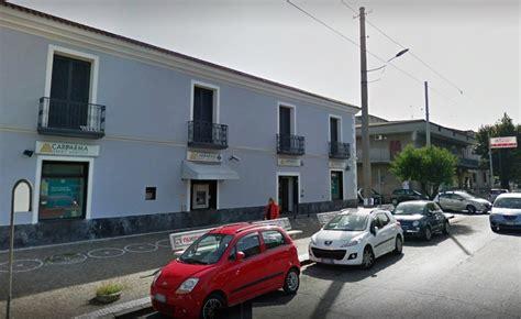 Banca Della Cania Aversa by Teverola Rapina Alla Cariparma In Via Roma Bottino Da