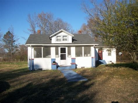 11678 lowground rd emporia va 23847 foreclosed home