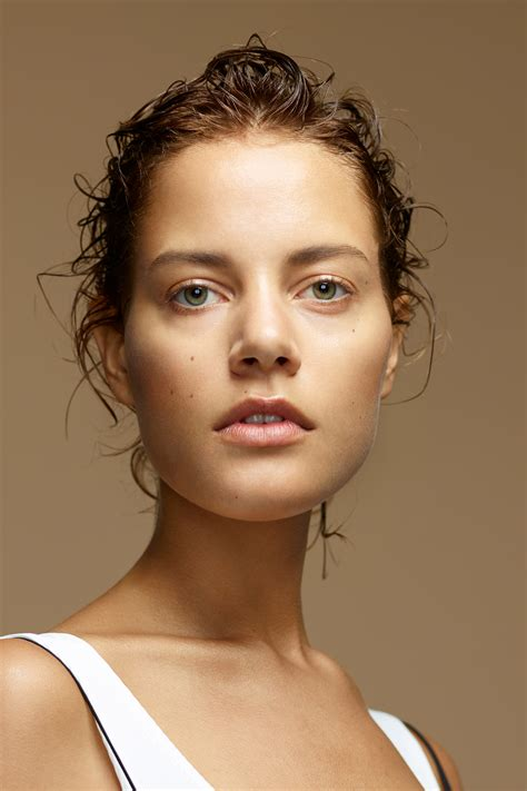 Atasan Havva Aino Top Brown the best foundations for the no makeup makeup look the grace tales