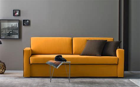 pulizia divani pulizia sedie da ufficio lavaggio interni ed esterni