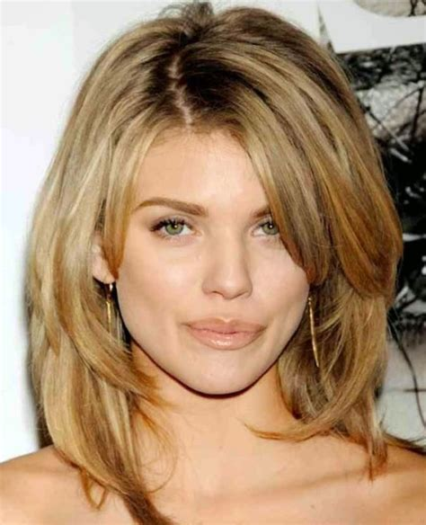 feathered medium length hairstyles feathered mid length hairstyles medium feathered