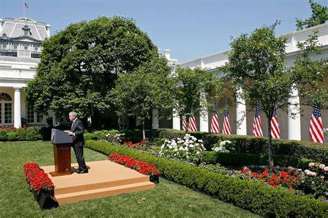 white house rose garden george w bush in bush holds rose garden news conference zimbio