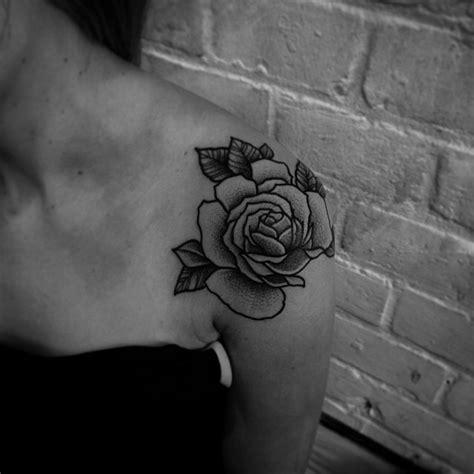 tattoo shoulder dotwork rose bud shoulder dotwork tattoo best tattoo ideas gallery