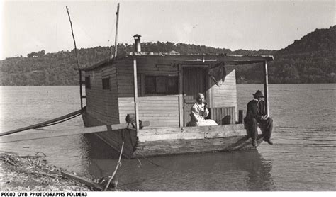 living on a boat on the mississippi river history a secret history of american river people